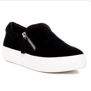 Steve Madden Fabric zipper side sneakers black 8.5